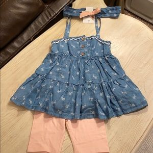 Cute chambray floral tunic top w/bike shorts & bow